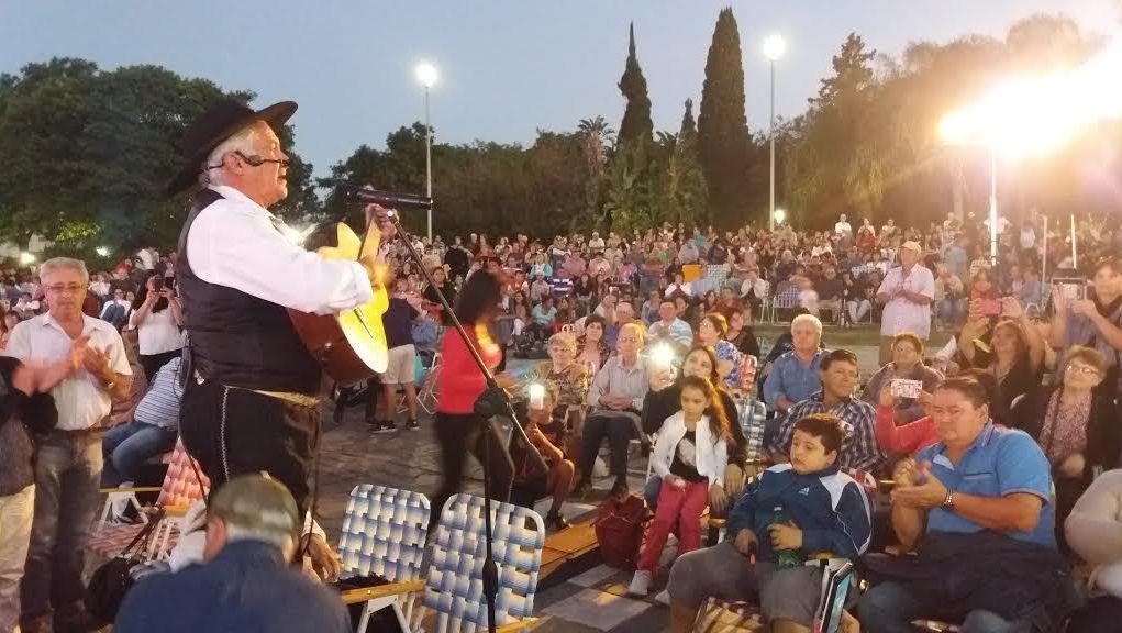 Culminó con éxito la Fiesta del Algodón en Avellaneda