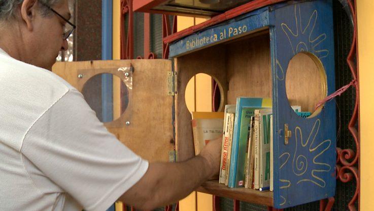 """se instaló la primera """"Biblioteca al paso"""" en la ciudad de Reconquista"""