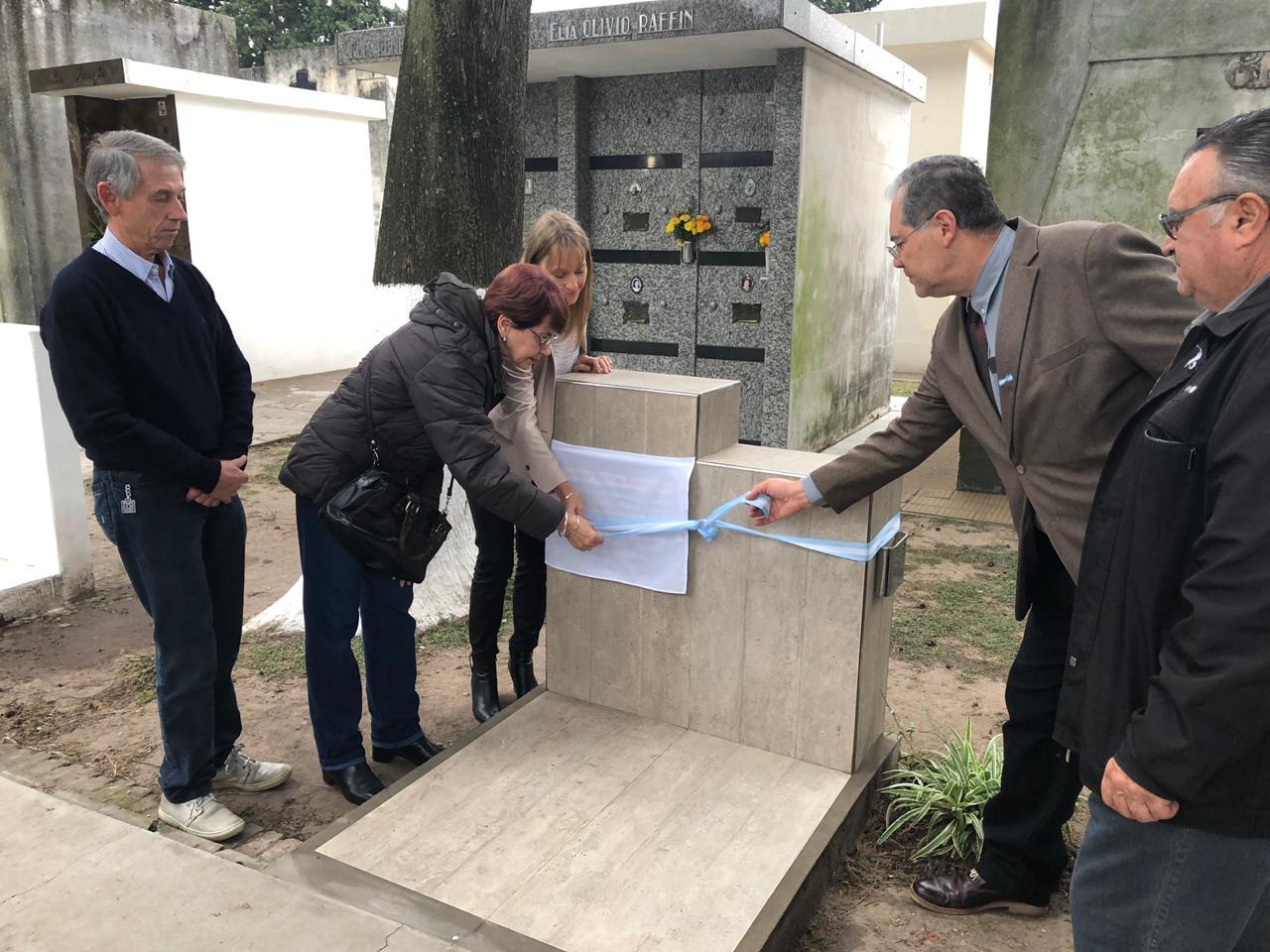 Quedó inaugurado oficialmente el cenotafio de la Sociedad Rural de Reconquista