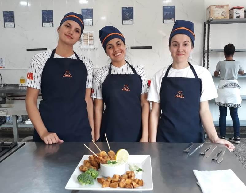 La gastronomía se abrió paso en la Estudiantina Olímpica