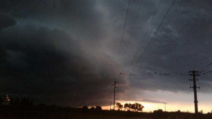 Fuerte tormenta de viento y lluvia en la zona