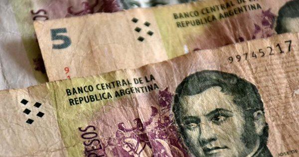 El Banco Central postergó hasta el 28 de febrero el retiro de los billetes de $5