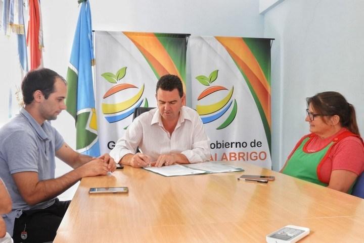 """Gobierno de Malabrigo y """"Patitas felices"""" firmaron convenio de trabajo conjunto"""