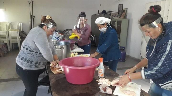 Pusieron en marcha un comedor popular en barrio Don Pedro de Avellaneda