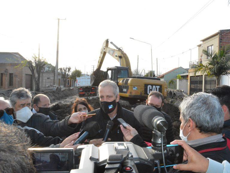 Avellaneda continúa invirtiendo en equipamientos para avanzar en obras