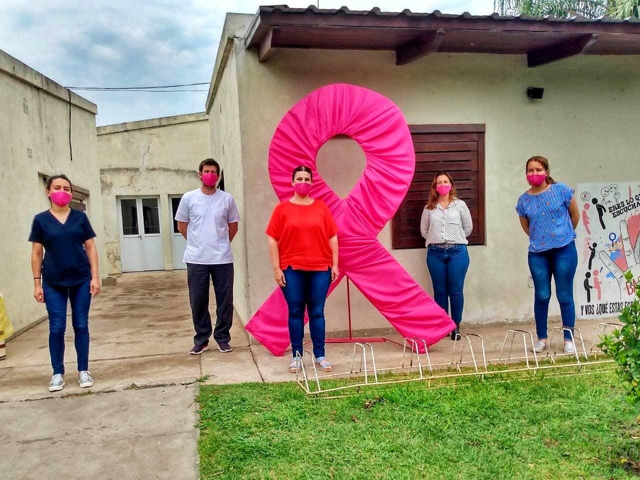 Malabrigo: el lazo color rosa recorre diferentes instituciones de la ciudad