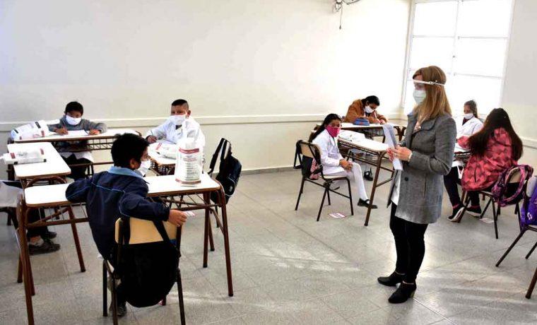 Vuelve la escuela presencial en 56 establecimientos educativos de la provincia