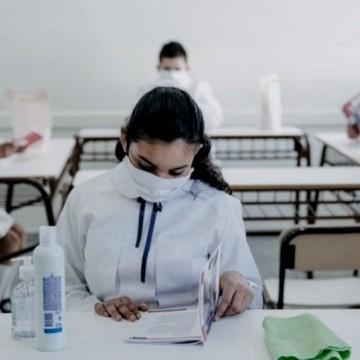 Ministra Cantero: «Sin vacuna, el ciclo lectivo arrancaría en abril»