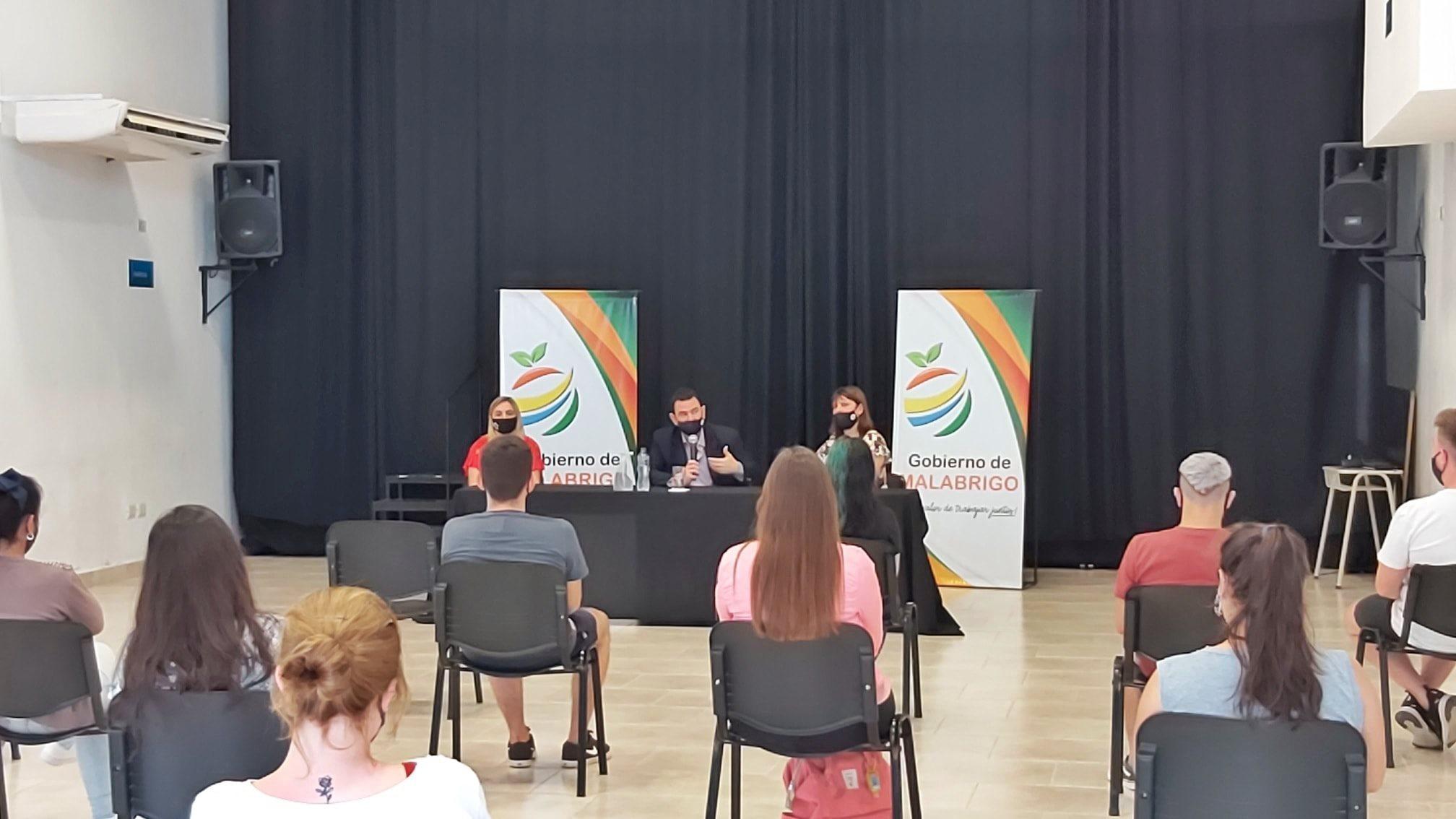 Malabrigo: se realizó la segunda entrega del Programa Becas Municipales 2020