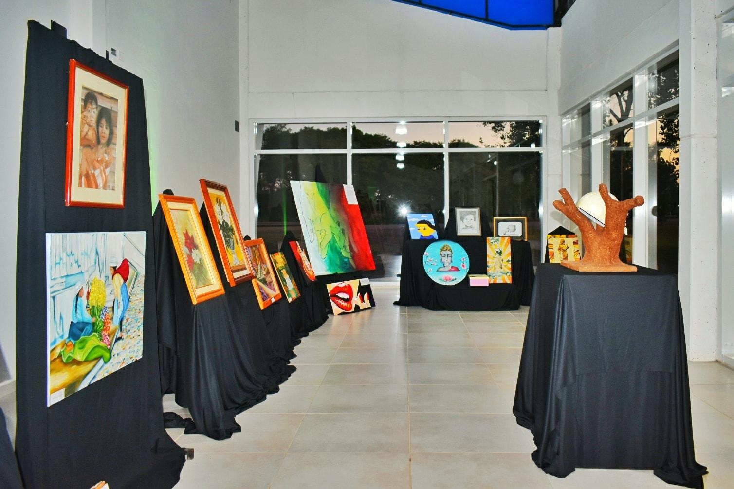 Abrió al público la Muestra de Artes Visuales de artistas locales