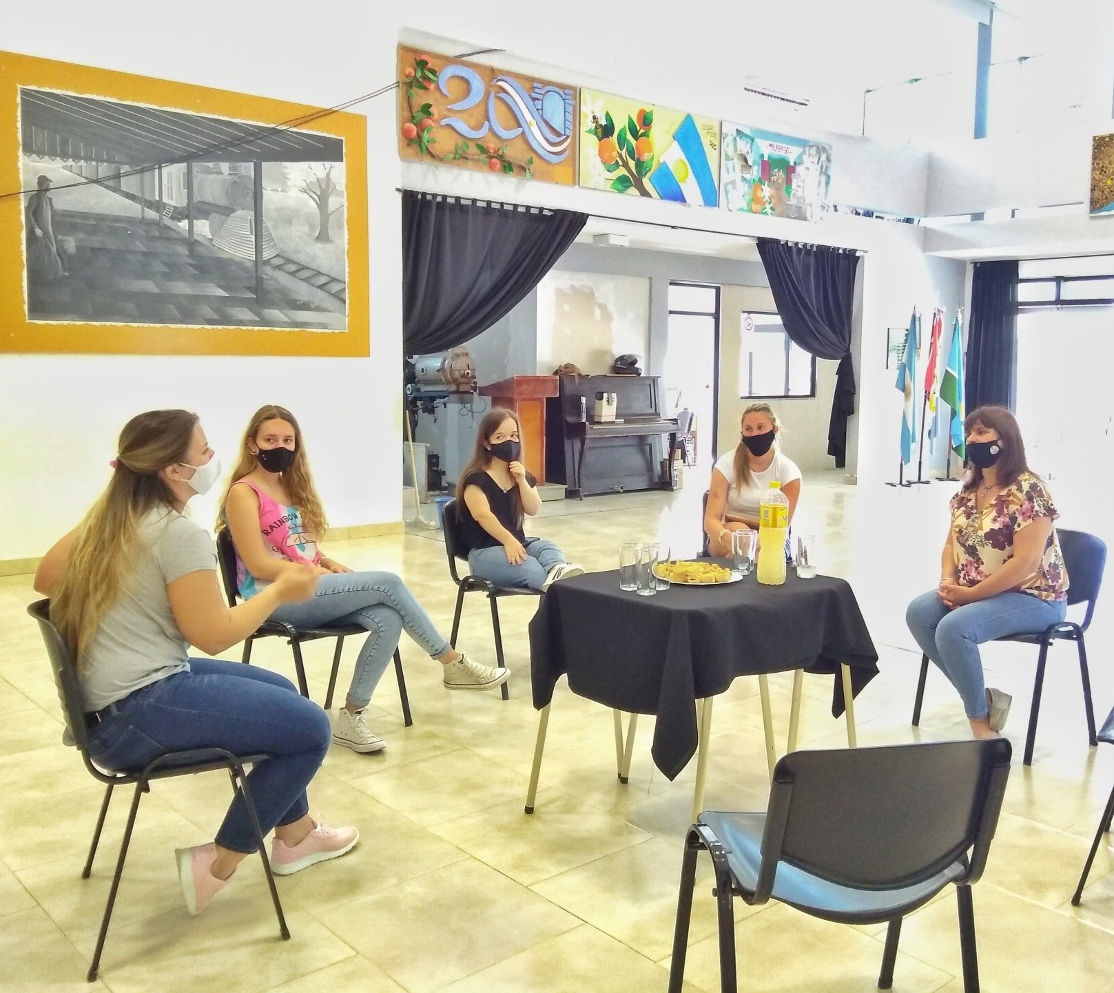Encuentro con las campeonas latinoamericanas del Campeonato «Universal Dance»