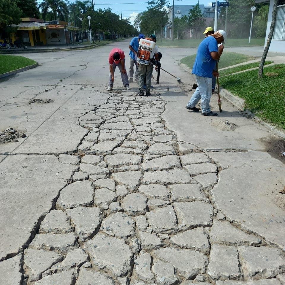 Pavimento urbano, reparación de fisuras e impermeabilización