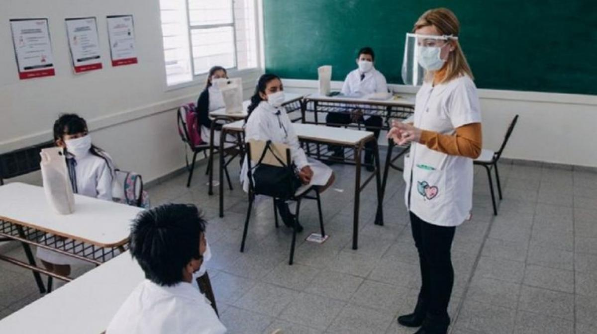 La provincia se prepara para el regreso a la presencialidad en las aulas
