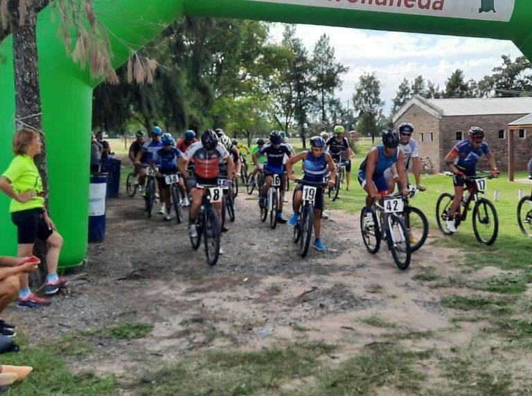 Más de 70 ciclistas se sumaron a la competencia de Mountain Bike en Avellaneda