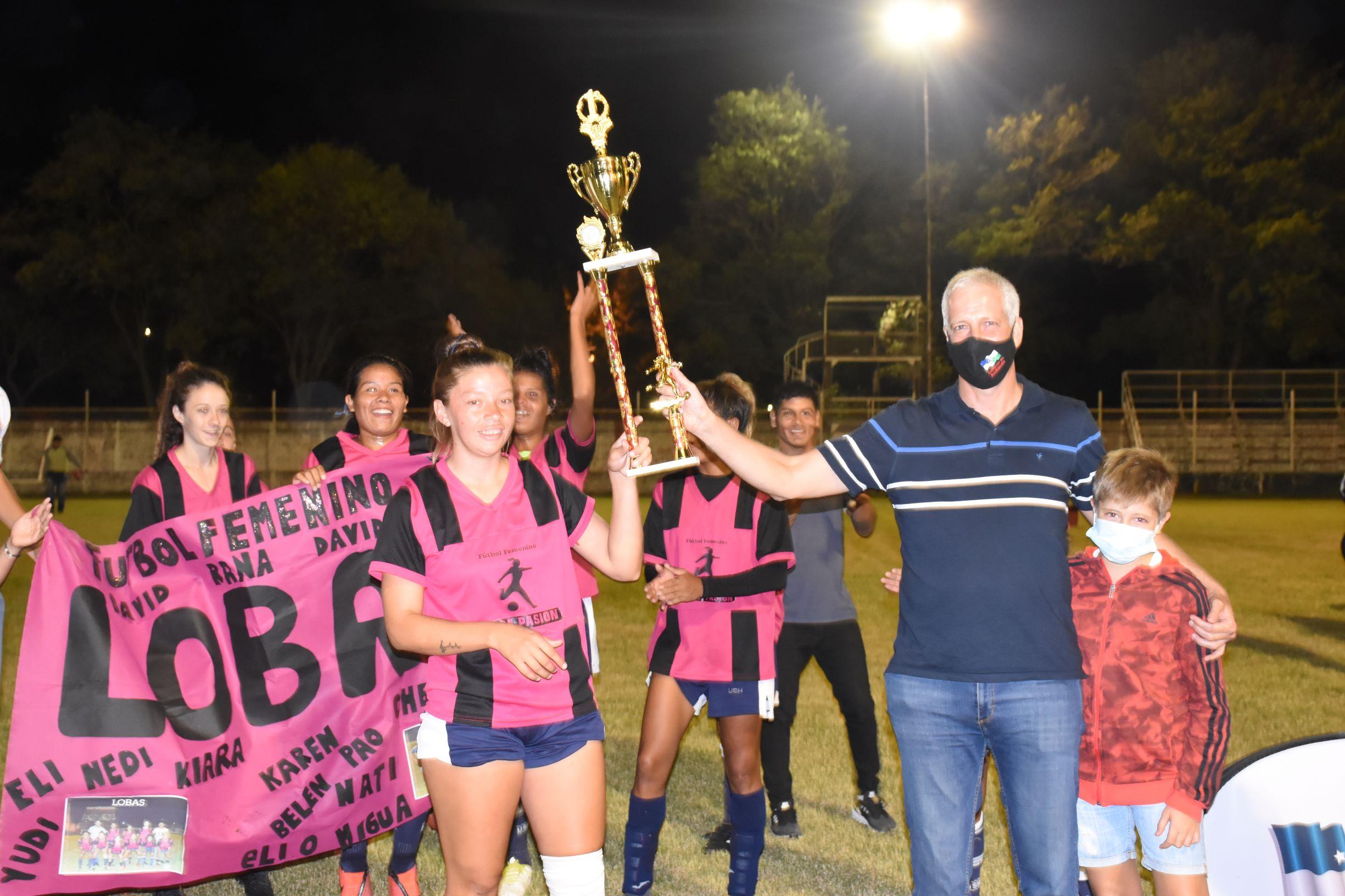 Mes de la Mujer: el equipo Las Lobas ganó el torneo de Fútbol Femenino