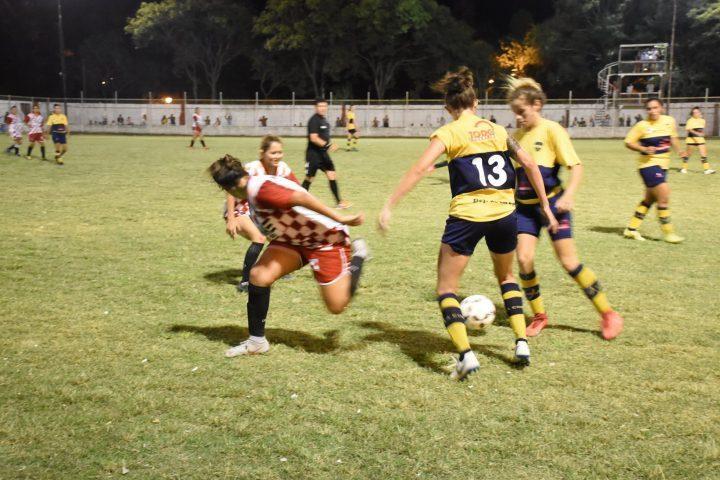 Mes de la Mujer: tuvo lugar la primera fecha del Torneo de Fútbol Femenino en Avellaneda
