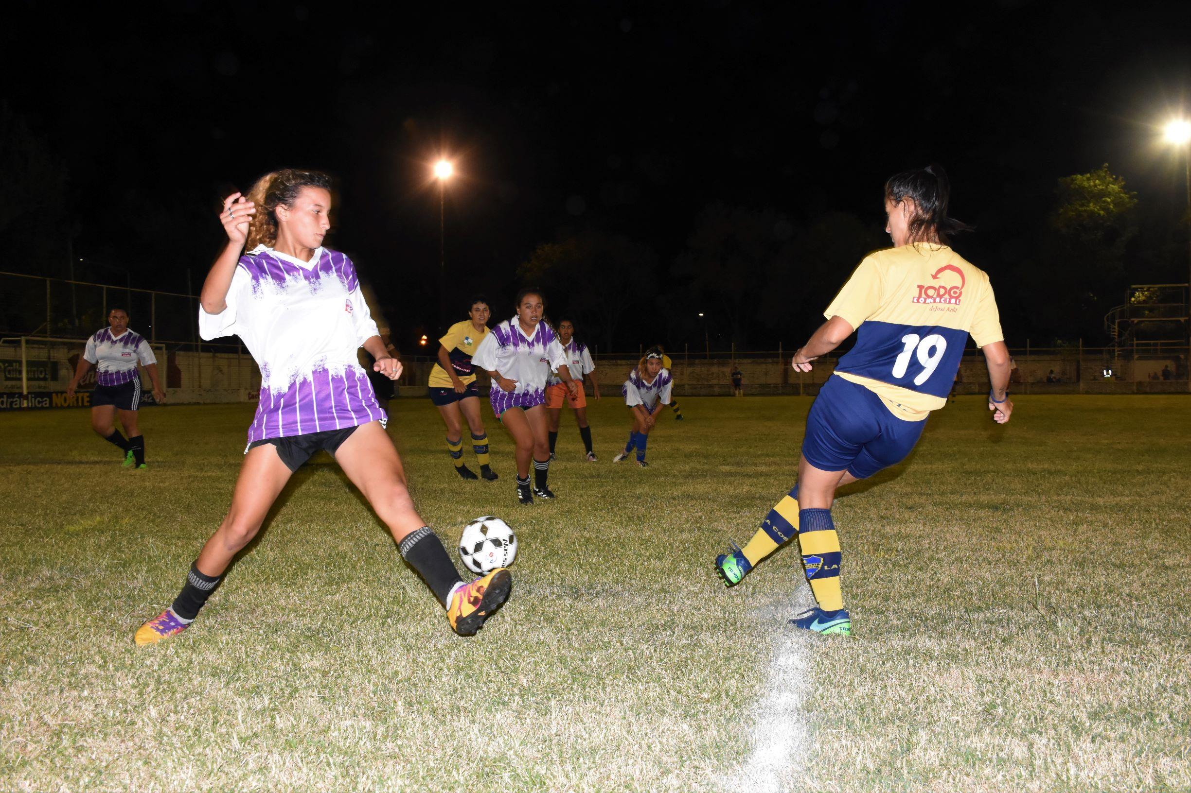 Mes de la Mujer: hoy nuevo encuentro del Torneo de Fútbol Femenino en Avellaneda