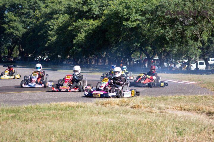 AKNS: con alrededor de 100 karting en pista se inició el Campeonato
