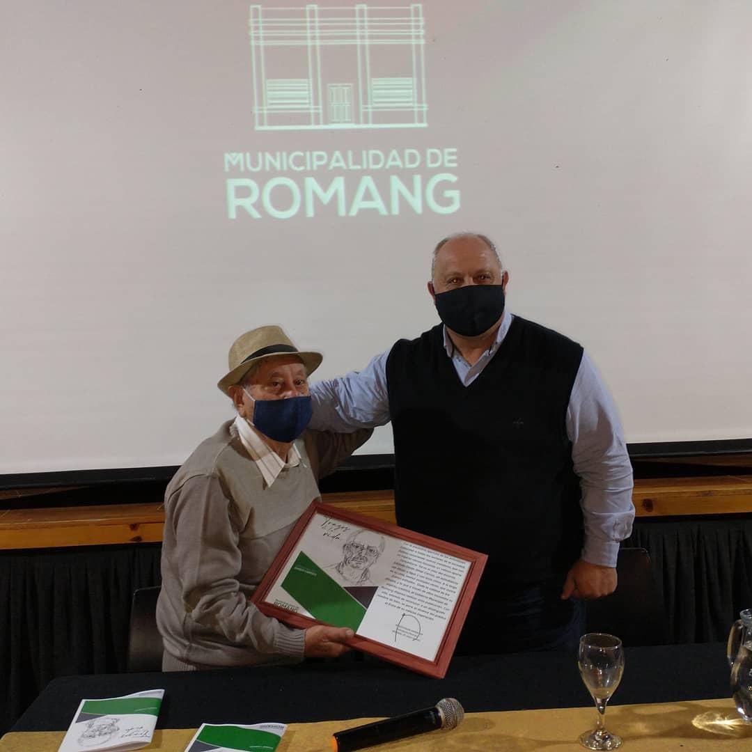 La Municipalidad de Romang reconoció a Dardo Carrizo, artista dibujante