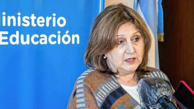 La ministra Cantero aclaró que los docentes pueden dar clases virtuales desde su casa