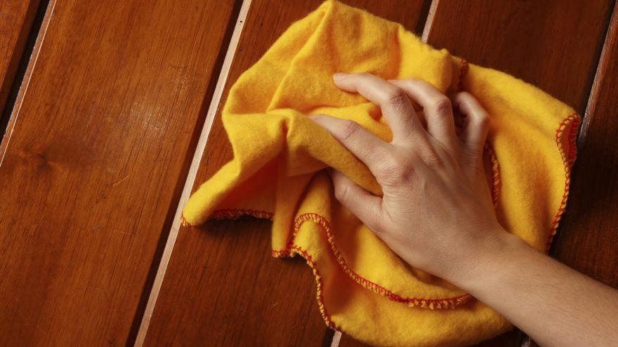 Los mejores trucos caseros para limpiar muebles de madera sin químicos