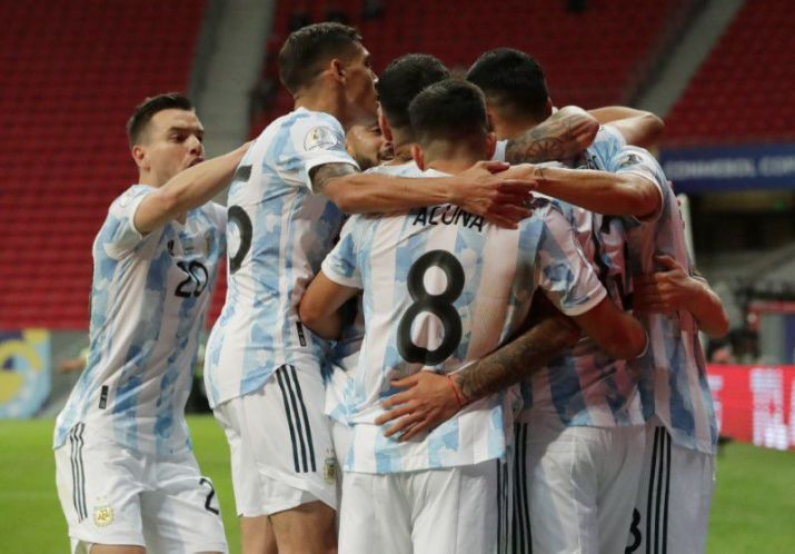 Argentina venció 1-0 a Paraguay y lidera el Grupo A de la Copa América