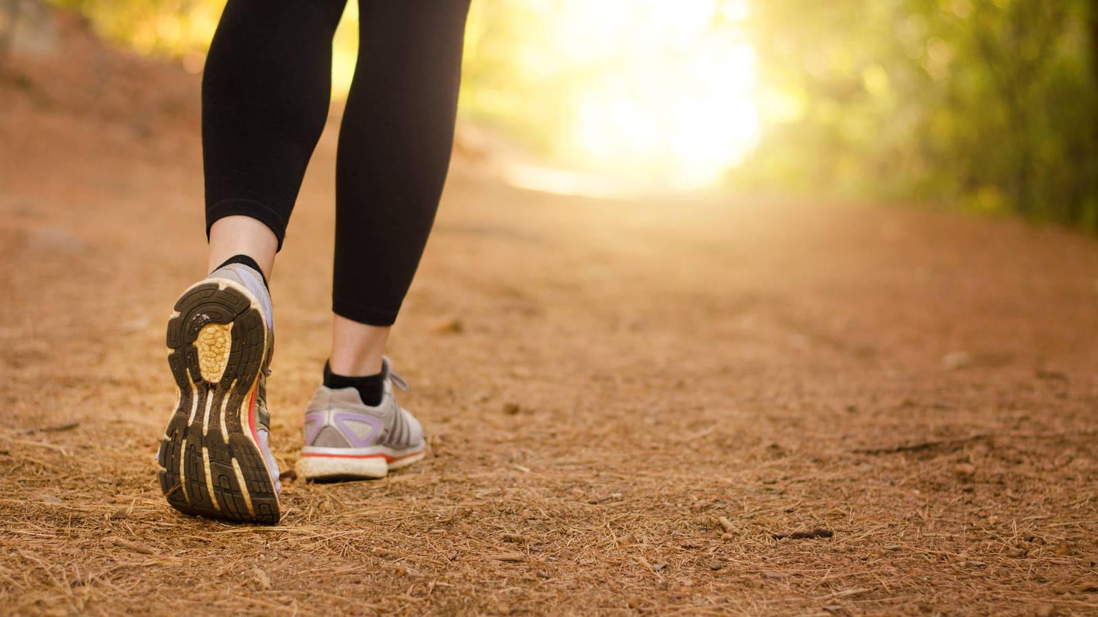 Actividad física: cómo debe ser una correcta caminata rápida